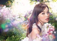 資生堂「ベネフィーク」が提案する「ズルビューメソッド」第四弾。 この秋の愛され顔メーキャップは光感をうすく重ねる【かくしオーラ盛り】がズルい!|株式会社 資生堂のプレスリリース Kk Project, Beauty Around The World, Summer Beauty, Japan Art, Shiseido, Beauty Make Up, Japanese Girl, Art Direction, Beauty Women