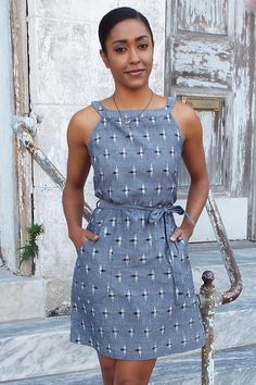 Passion Lilie fair trade cotton blue sleeveless chambray ikat dyed dress darted in the front and rear and has side pockets. Handwoven and ikat dyed in India. Ikkat Dresses, Casual Dresses, Fashion Dresses, Chambray Dress, Frock Dress, Western Dresses, Indian Designer Wear, Fashion Fabric, Girl Clothing