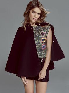 Isabella Santoni ensina a adicionar doçura ao look militar