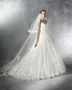 Wedding gowns dont come much more gorgeous than Primadona from Pronovias.  An exquisite lace ball gown from Spains leading fashion house.  Available from November 2015 in sample size 26