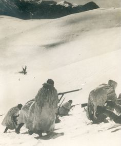 Greek soldiers on the mountainous regions of northern Greece and in Albania, 1940 - pin by Paolo Marzioli