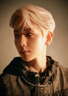 Find images and videos about kpop, exo and baekhyun on We Heart It - the app to get lost in what you love. Baekhyun Chanyeol, Exo Chanyeol, Exo Chen, K Pop, Kai, Luhan And Kris, Exo Official, Exo Album, Concert