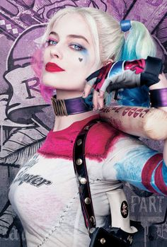 ♦ Harley Quinn in a new Suicide Squad poster.