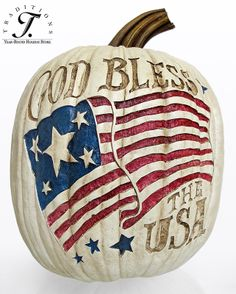 I love bringing a patriotic twist into my fall decor . I might do it on an orange pumpkin though . even if it clashes . just brings in the fall feeling a bit more! Patriotic Crafts, Patriotic Decorations, July Crafts, Holiday Decorations, American Pride, American Flag, American Soldiers, Holiday Store, Happy Fall Y'all