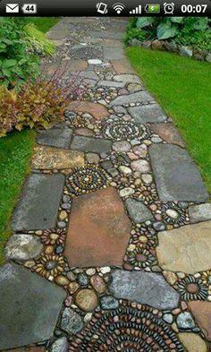 Rock garden landscaping - 36 Rock Pathway Design Ideas To A Beautiful Your Garden Backyard Garden Design, Diy Garden, Shade Garden, Garden Villa, Night Garden, Beer Garden, Garden Beds, Mosaic Walkway, Mosaic Garden