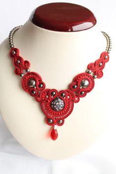 Handmade soutache necklace with button ,metal elements ,czech glass beads, jade beads, glass beads, .Inner lenght is 51-53cm. Outer lenght is 56cm.The back side of the elements is made with suede. Soutache red necklace. Lady In Red. by SoftAmethyst on Etsy, €43.00