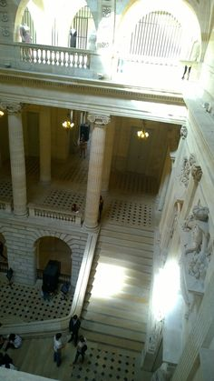 """Did you know that """"Grand stairs"""" of Opera de Bordeaux inspired Garnier for Opera de Paris its Monumental stairs !"""
