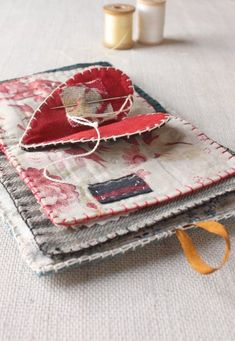 free heart needle book tutorial From Ann Wood Handmade!the world's sweetest needle book : a free sewing pattern – ann wood handmadeOutstanding 100 sewing projects tips are offered on our website. Read more and you will not be sorry you did. Sewing Hacks, Sewing Tutorials, Sewing Crafts, Sewing Tips, Tutorial Sewing, Quilt Tutorials, Needle Case, Needle Book, Needle And Thread