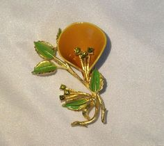 Butterscotch Calla Lilly Brooch with Peridot by GemmaBejeweled
