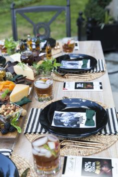 Celebrate Dad with a Father's Day Dinner Party complete with a bourbon and chocolate charcuterie board full of Dad's favorite flavors! Planning Menu, Party Planning, Fathers Day Brunch, Fathers Day Ideas, Father's Day Celebration, Outdoor Dinner Parties, Brunch Decor, Chocolate Bourbon, Bbq Party