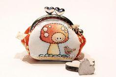 Muddy and curious little bird  Handmade di LaCasettaNelBosco, €27.99