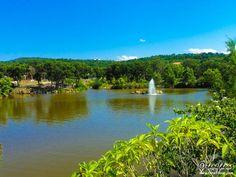 2 _ محمية تازا ( ولاية جيجل) تضم بحيرات و غابات كثيفة و اقاليم ساحلية متنوعة