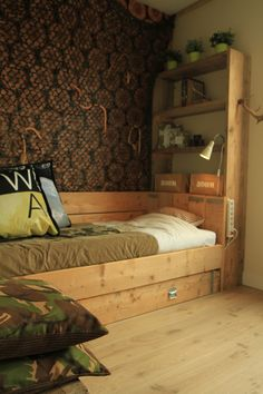 Steigerhouten bedbank `Thijmen`   Steigerhouten bedden   Improve your home