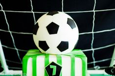 Paisley Petal Events soccer party cake 2-2