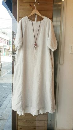 Sweatshirt raglan sleeve top with linen skirt? Linen Dress Pattern, Dress Patterns, Modest Fashion, Fashion Outfits, Womens Fashion, Pretty Outfits, Beautiful Outfits, Chifon Dress, Linen Dresses