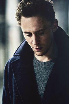 Tom Hiddleston in Total Film Issue 212 - November 2013 [x]