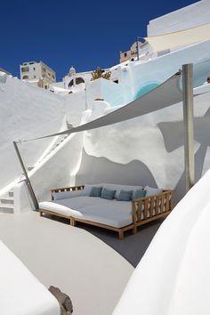 . Santorini Greece, Mykonos, Santorini Island, Outdoor Spaces, Outdoor Living, Outdoor Decor, Strand Design, Dream Vacations, Family Vacations