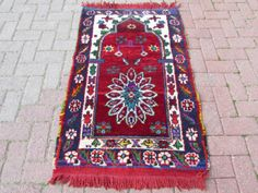 how to pick the perfect rug for your space   eBay http://www.ebay.com/gds/searching-for-the-perfect-rug-/10000000204891664/g.html?roken2=ti.pSm9hbm5hIEhhd2xleQ==