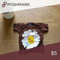 DK2LA Sunflower 🌻Baby T-shirt. 0-3 mos DK2LA Sunflower 🌻Baby T-shirt. 0-3 mos. 💯 % cotton. So cute. Like new. DK2LA Shirts & Tops Tees - Short Sleeve