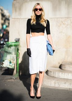 Street Style in a crop top, pencil skirt, heels and a clutch #outfit