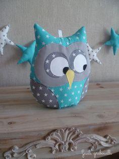 Coussin hibou musical bleu et gris étoilé : Chambre d'enfant, de bébé par guiligribouilli