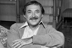 """Bill Macy, who played Bea Arthur's husband Walter Findlay on the """"All in the Family"""" spinoff, """"Maude,"""" died on Thursday. Norman Lear, My Name Is Earl, Carl Reiner, Thomas Crown Affair, Nypd Blue, Walter Matthau, Carol Channing, My Favorite Year, Robert De Niro"""
