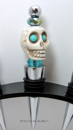 Turquoise Skull Wine stopper Dia De Muertos by spiritbearbeads