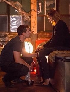 Divergent movie and Four(Shailene Woodley and Theo James) Divergent Facts, Divergent Four, Divergent Fandom, Divergent Trilogy, Divergent Insurgent Allegiant, Divergent Quotes, Divergent Plot Twist, Divergent Funny, Veronica Roth