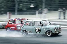 Photo of Morris Mini's racing Mini Cooper Classic, Mini Cooper S, Classic Mini, Classic Cars, Mini Clubman, Mini Countryman, Mini Morris, British Sports Cars, Mini Things