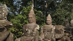 Incredible, surprising, Angkor Wat - Devas and Asuras. The churning of the ocean of milk