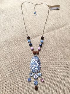 diseño de Sonia de la Torre, colección azul, marrón y rosas https://www.facebook.com/TOCADORDEMACA/photos/pcb.883021381843151/883020971843192/?type=3