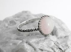 Sterling silver ring with Rose Quartz, silver ring rose stone, rose quartz silver ring