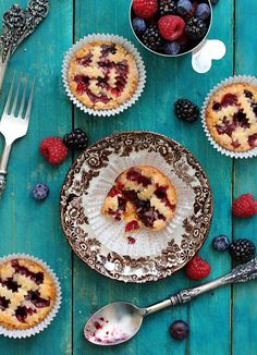 Recipe: Mini Mixed Berry Pie. Not only to die for but LOVE everything about the promotional shot <3