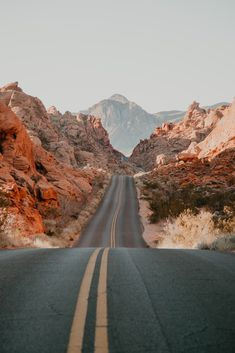 Valley of Fire wallpaper, also makes for a beautiful backdrop for an engagement session or proposal! Location inspiration for photoshoot, photo by Fatima Elreda Photo