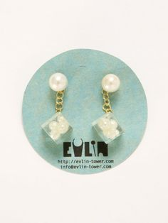 EVLiN [完全オーダー] *Swing miniピアス ¥9,450(税込) http://www.stylife.co.jp/nuan/item?model_cd=343381