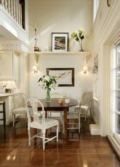 Breakfast area by Sussan Lari Architect.