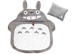 Totoro sleeping bag - love the acorn zipper! I NEED THIS!