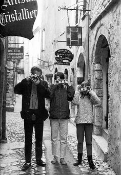 Paul Newman and his children on vacation in France, 1965.