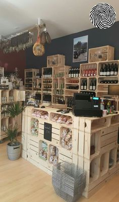 Le cochon gourmand à marseillan by tommy candy store in 2019 продуктовый ма Cafe Design, Store Design, Tante Emma Laden, Cafe Interior, Interior Design, Zero Waste Store, Fruit Shop, Store Displays, Shop Interiors