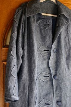 Fabulous coat by Communing With Fabric: Vogue 1213 - Koos van den Akker Linen Coat