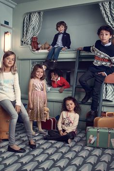 Come together in style with winter knits, sparkly dresses, smart suits and amazing accessories. | H&M Kids