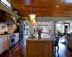 Wayzata Traditional Kitchen designed by Belle Kitchen www.bellekitchen.com