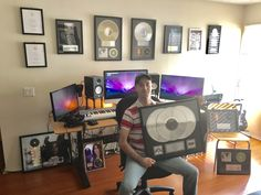 Pascal Guyon is a multi-platinum musician and music producer who's contributed to 3 Grammy nominations. Grammy Nominations, Awards, Gallery Wall, Music, Gold, Musica, Musik, Muziek, Music Activities
