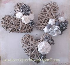 Bellart Atelier: Do it yourself: Hearts with newspaper. Diy And Crafts, Arts And Crafts, How To Make Paper Flowers, Paper Weaving, Wicker Hearts, Newspaper Crafts, Ideias Diy, Shape Crafts, Heart Crafts