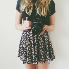 Black Tee ~ Floral Skater Skirt ~ Teen Fashion ~ Tumblr Fashion ~ Spring Outfit