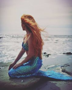 lexiemermaid'Home' means 'places where your heart is' 💦🐚💙.Picture by Michel FaveroMermaid tail by # Mermaid Photo Shoot, Mermaid Pose, Mermaid Pictures, Mermaid Tails, Mermaid Art, Real Life Mermaid Found, Real Life Mermaids, Fantasy Mermaids, Mermaids And Mermen