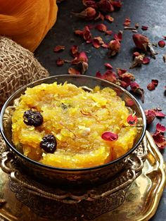 I am a big pumpkin fan since my childhood days. Seriously, I love this vegetable in any form and the khatti meethi pethey ki sabzi is m. Pumpkin Recipes Indian Style, Indian Food Recipes, Vegetarian Recipes, Best Dessert Recipes, Easy Desserts, Sweet Recipes, Desert Recipes, Navratri Recipes, Navratri Food