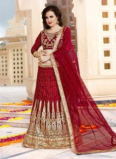 #ethnic #indianethnic #indianethnicwear #indianwedding #bridalwear #indianoutfit #indianfashion #lehenga