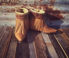 Adorable custom Gypsy Boots headed to the NFR!