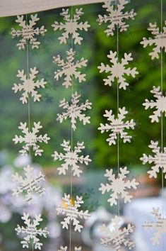 Window Decorations for Christmas : Holiday decor Unique gifts Christmas garland Rustic holiday decor Unique gifts SNOWFLAKE garland Christmas window decorationsThe snowflakes are rather big - There is approximatively 20 snowflakes per meter garland. Unique Christmas Gifts, Modern Christmas, Christmas Crafts, Christmas Holiday, Unique Gifts, French Christmas, Snowflake Garland, Christmas Snowflakes, Christmas Garlands